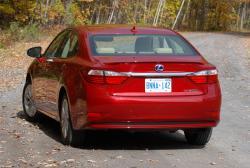 Test Drive: 2013 Lexus ES 300h car test drives luxury cars lexus hybrids