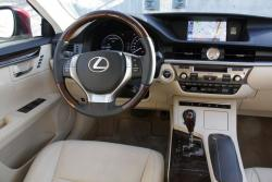 Test Drive: 2013 Lexus ES 300h car test drives reviews luxury cars lexus hybrids