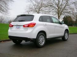 Test Drive: 2013 Mitsubishi RVR SE car test drives mitsubishi
