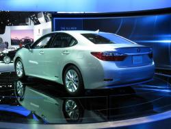 Preview: 2013 Lexus ES reviews car previews luxury cars lexus