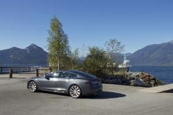 First Drive: 2013 Tesla Model S first drives