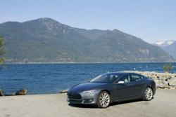 First Drive: 2013 Tesla Model S tesla luxury cars green scene first drives