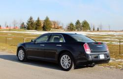 Test Drive: 2013 Chrysler 300C Luxury Series AWD car test drives made in canada luxury cars chrysler