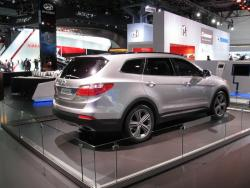 Preview: 2013 Hyundai Santa Fe reviews car previews hyundai
