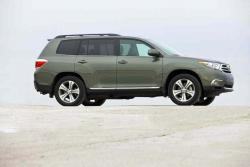 Test Drive: 2013 Toyota Highlander 4WD V6 toyota car test drives reviews