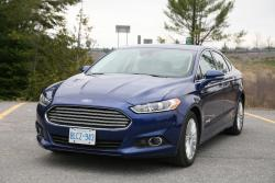Day by Day Review: 2013 Ford Fusion Hybrid car test drives hybrids ford daily car reviews