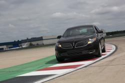 First Look: 2013 Lincoln MKT and MKS car previews luxury cars lincoln