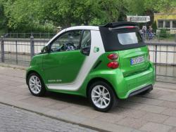 First Drive: 2013 Smart ForTwo Electric Drive smart reviews first drives electric green news