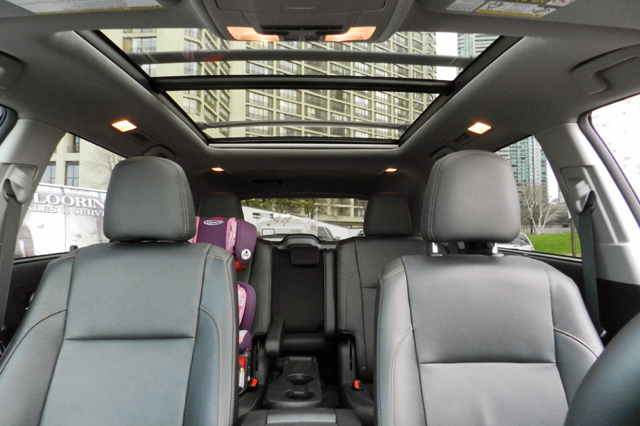 2014 Toyota Highlander Limited panoramic sunroof