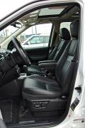 2014 Land Rover LR2 HSE LUX front seats
