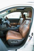 2014 Lexus RX 450h front seats