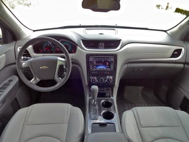 2014 Chevrolet Traverse LT AWD dashboard