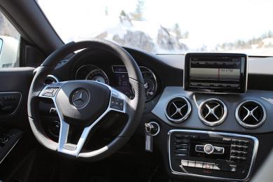 2014 Mercedes-Benz CLA 45 AMG dashboard