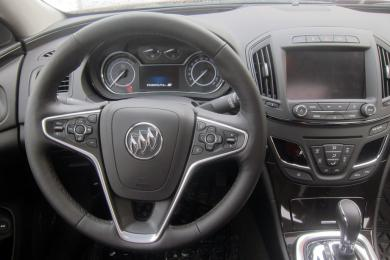 2014 Buick Regal Turbo AWD dashboard