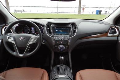 2014 Hyundai Santa Fe XL Limited dashboard