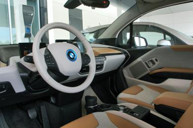 quick spin 2014 bmw i3 page 2 of 2 page 2. Black Bedroom Furniture Sets. Home Design Ideas