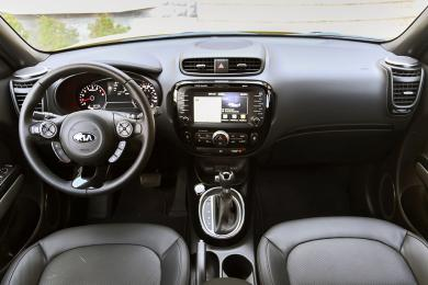 2014 Kia Soul SX Luxury dashboard