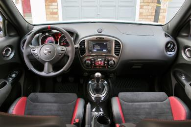 2014 Nissan Juke NISMO RS dashboard
