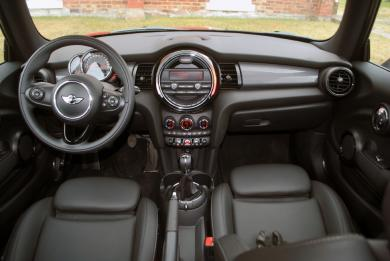 2014 Mini Cooper dashboard