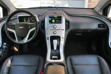 2014 Chevrolet Volt dashboard