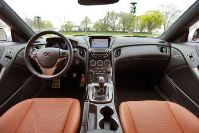 2014 Hyundai Genesis Coupe 3.8 GT dashboard