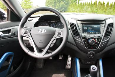 2014 Hyundai Veloster Turbo dashboard