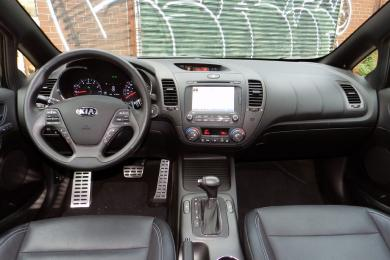 2014 Kia Forte5 SX Luxury dashboard