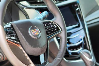 2014 Cadillac ELR steering wheel detail