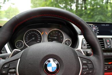 2014 BMW 428i xDrive Cabriolet steering wheel