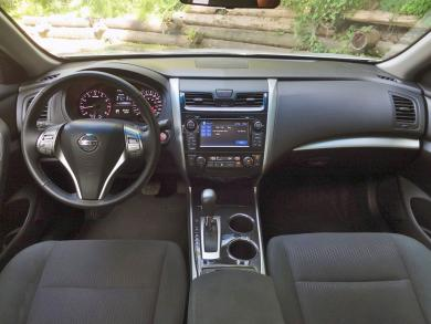2014 Nissan Altima 2.5 SV dashboard