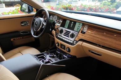 Rolls-Royce Phantom dashboard