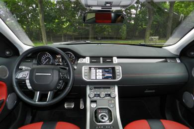 2014 Land Rover Range Rover Evoque dashboard