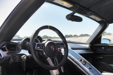 first drive 2015 porsche 918 spyder. Black Bedroom Furniture Sets. Home Design Ideas