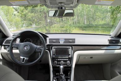 2014 Volkswagen Passat TDI dashboard