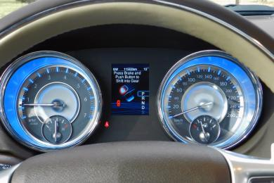 2014 Chrysler 300C Luxury Series AWD instruments