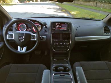 2014 Dodge Grand Caravan SXT Plus dashboard