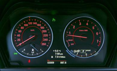 2014 BMW 228i gauges