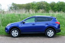 Test Drive: 2014 Toyota RAV4 FWD LE toyota car test drives