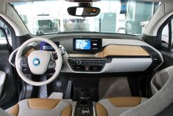 2014 BMW i3 dashboard