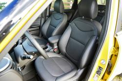 2014 Kia Soul SX Luxury front seats