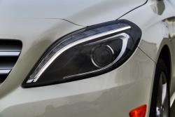 2014 Mercedes-Benz B 250 headlight