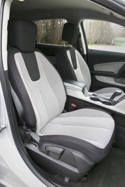 2014 Chevrolet Equinox front seats