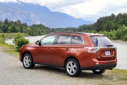 Test Drive: 2014 Mitsubishi Outlander GT car test drives mitsubishi
