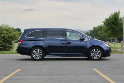 Test Drive: 2014 Honda Odyssey Touring car test drives honda
