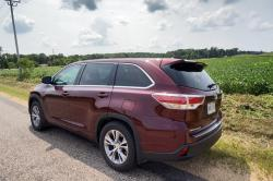 Test Drive: 2014 Toyota Highlander LE AWD toyota car test drives