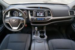 2014 Toyota Highlander LE AWD dashboard