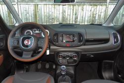2014 Fiat 500L dashboard