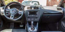 2014 Volkswagen Jetta GLI Edition 30 dashboard