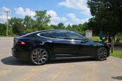 2013 Tesla Model S, Paris to London (Ontario)