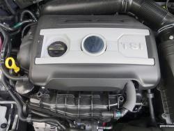 2014 Volkswagen CC Sportline engine bay
